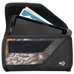 Nite-Ize Rugged Horizontal Clip Case for Large Devices in Camo